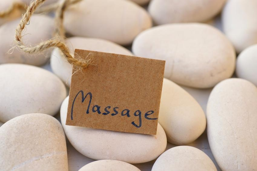 Proposition de massage accompagnant la location de jacuzzi a domicile
